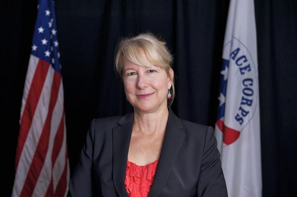 Carrie Hessler-Radelet Sworn in as Peace Corps Director